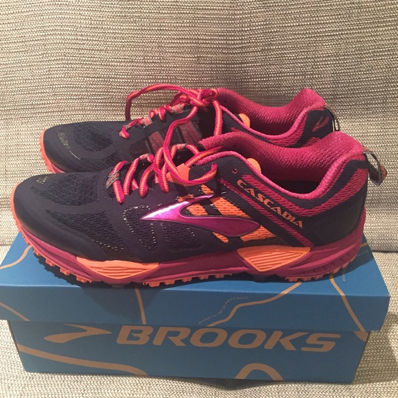 f1b57f17794 NIB Brooks Cascadia 11 Trail Running Shoes
